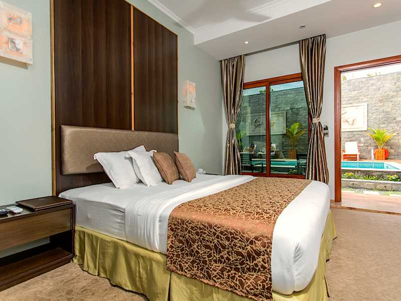 Deluxe Double Room Pool View gallery images