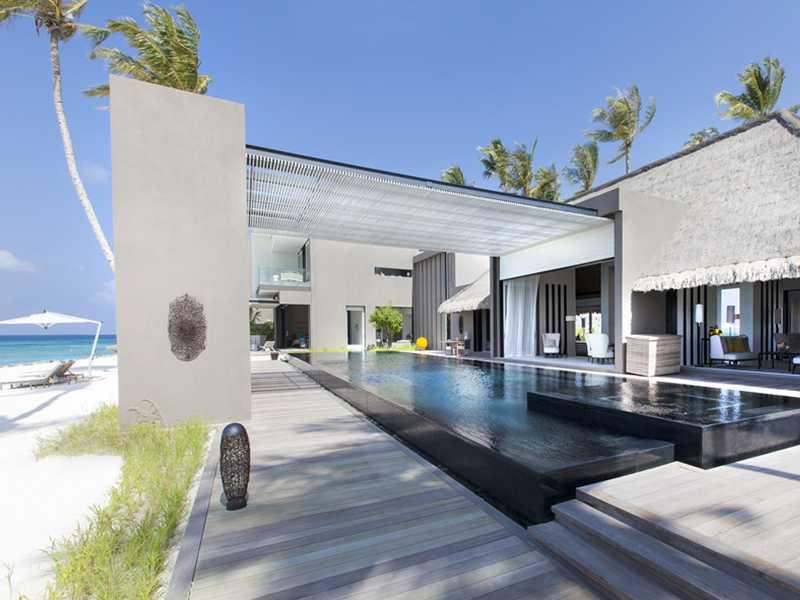 luxury hotel facing to the ocean