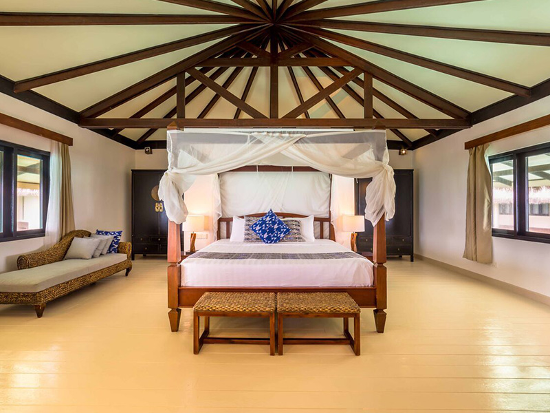 MALDIVIAN SUITE WITH POOL gallery images