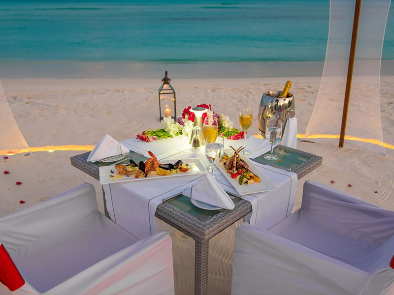 IN-VILLA DINING gallery images